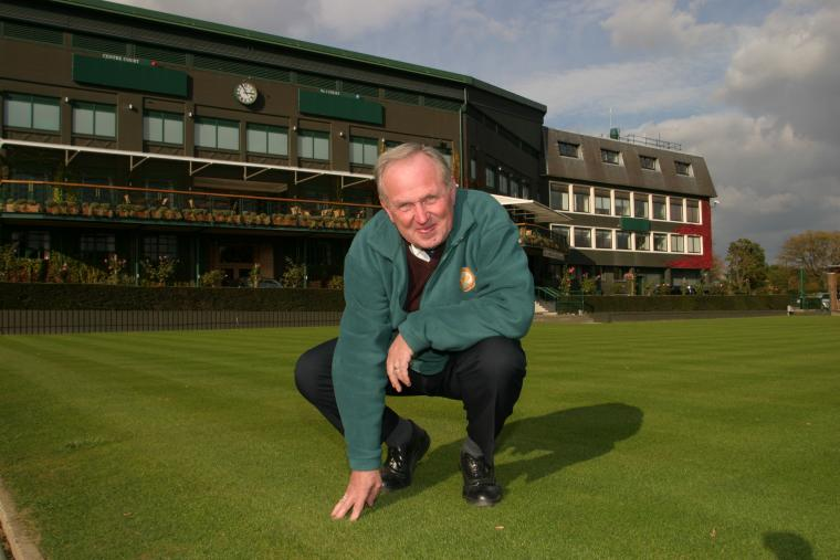 Eddie Seaward, formerly head groundsman of the All England Lawn Tennis Club for 22 years, passed away on May 12 aged 75